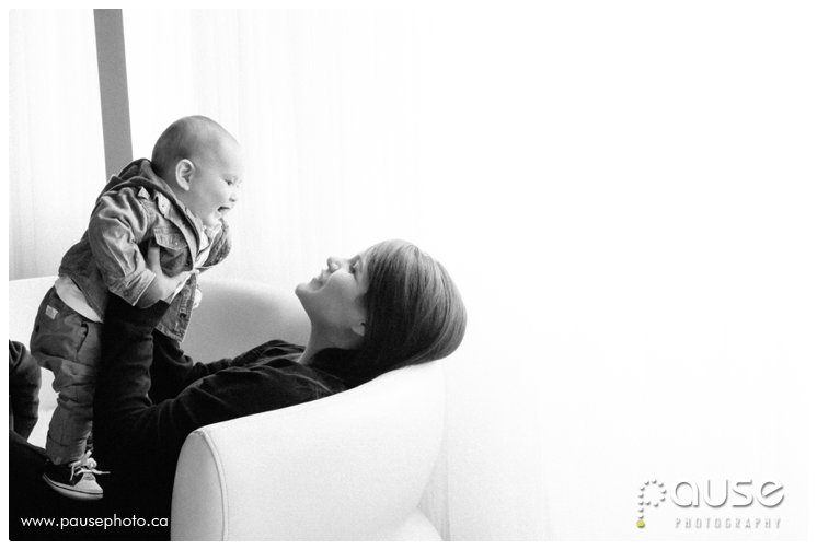Edmonton Baby Photographer. Book a Mother's Day Session and help support the Terra Centre