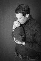 Newborn photography inspiration | Best Edmonton newborn pictures by Pause Photography